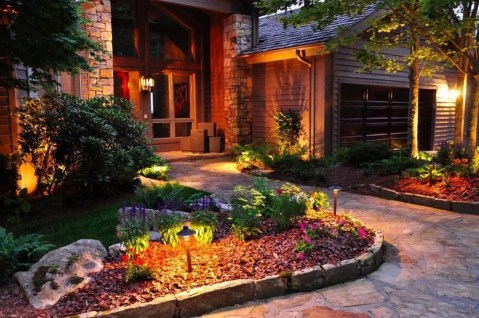 Adorable front yard lighting ideas for your summer night vibe 53