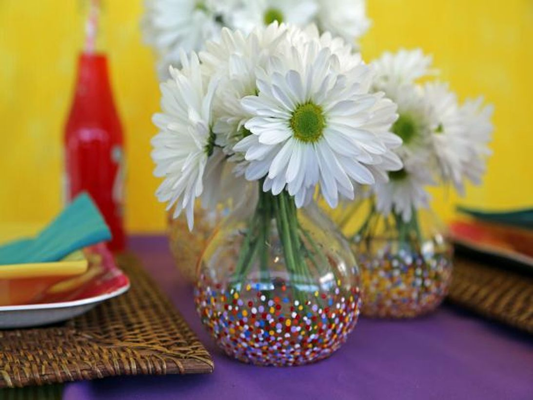 Diy glass vase ideas with round shape, color splash motif to make refresh your room