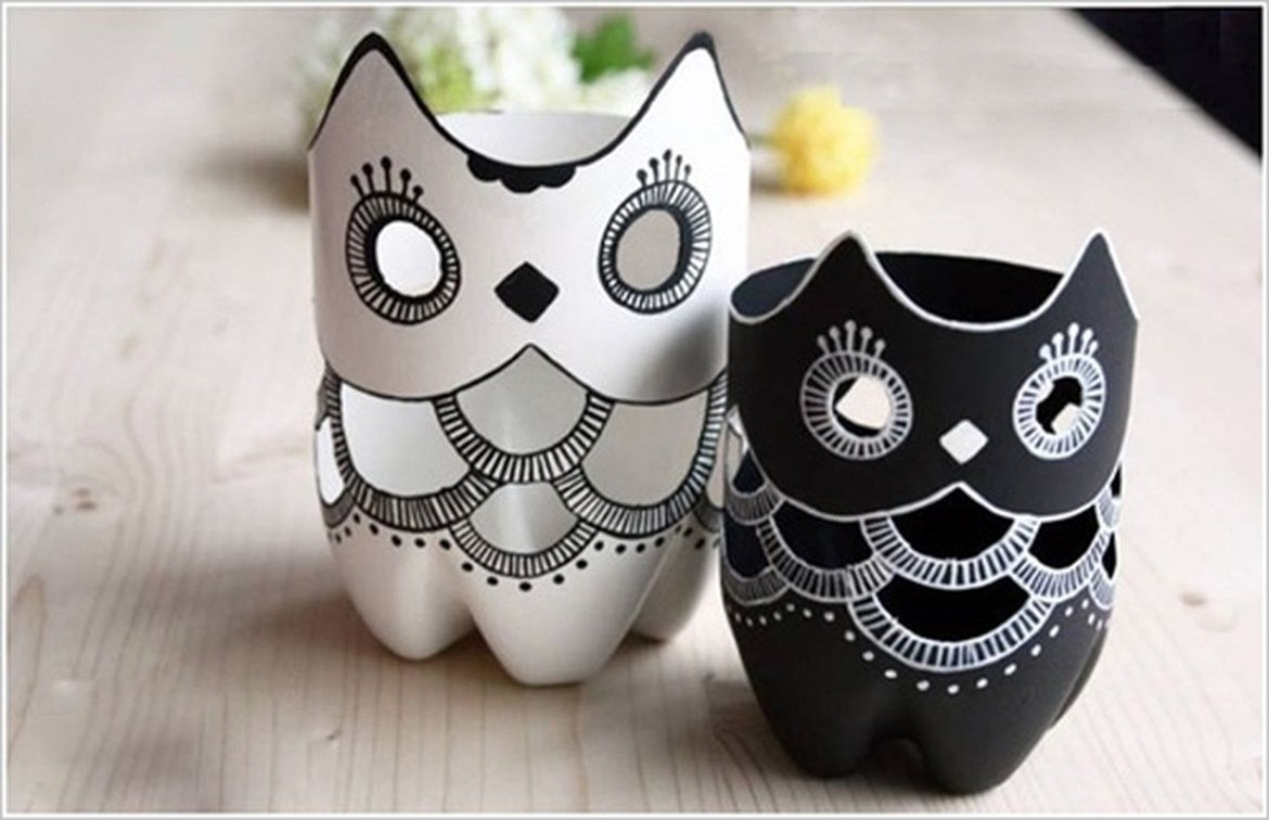 Unique diy plastic bottle owl vase with white and black color to create more beauty