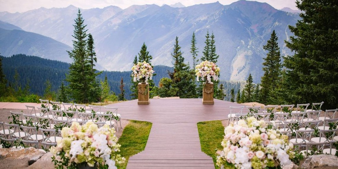 A wonderful outdoor venue for fall wedding with deck sits at an elevation of 11,212 feet and features the elk mountain range as your backdrop for a breathtaking autumnal wedding.