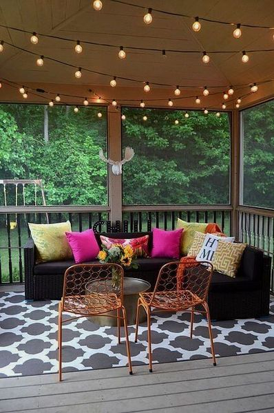 An awesome string lamps to beautify your porch