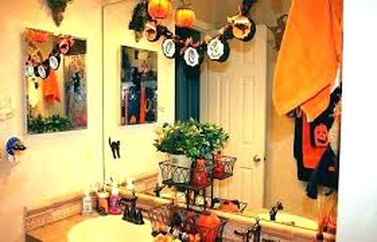 Awesome hanging pumpkin
