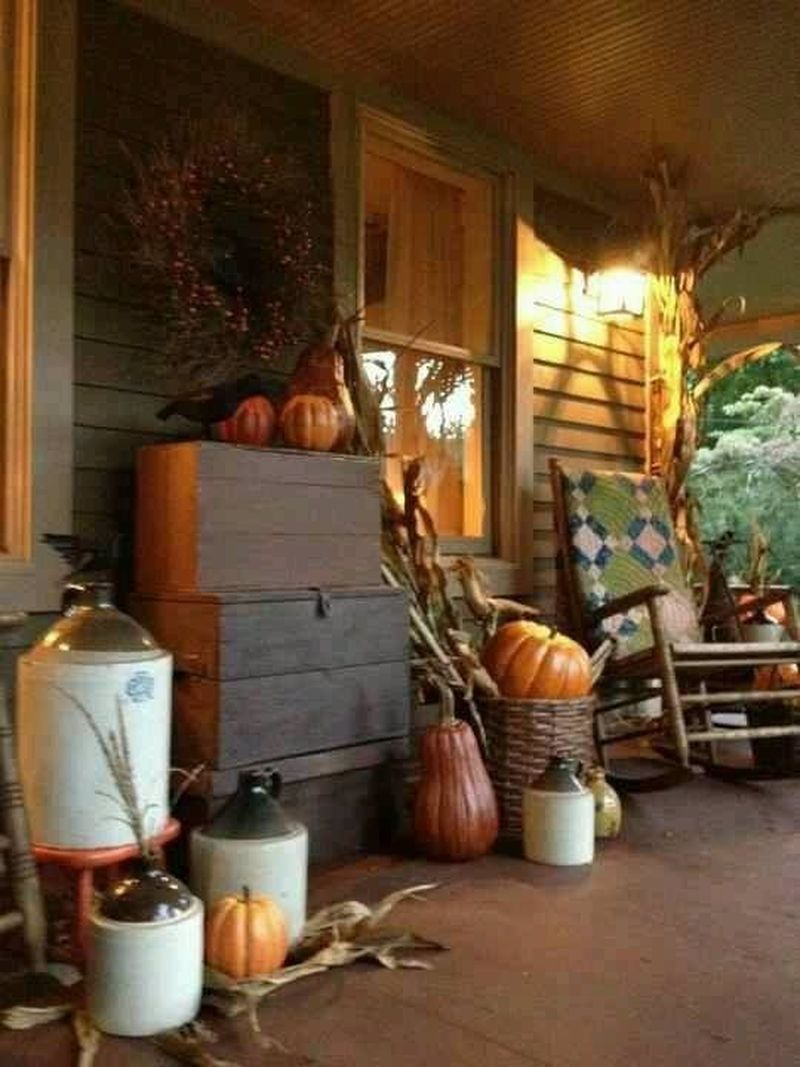 Cozy porch decoration ideas to match any home styles this fall 30