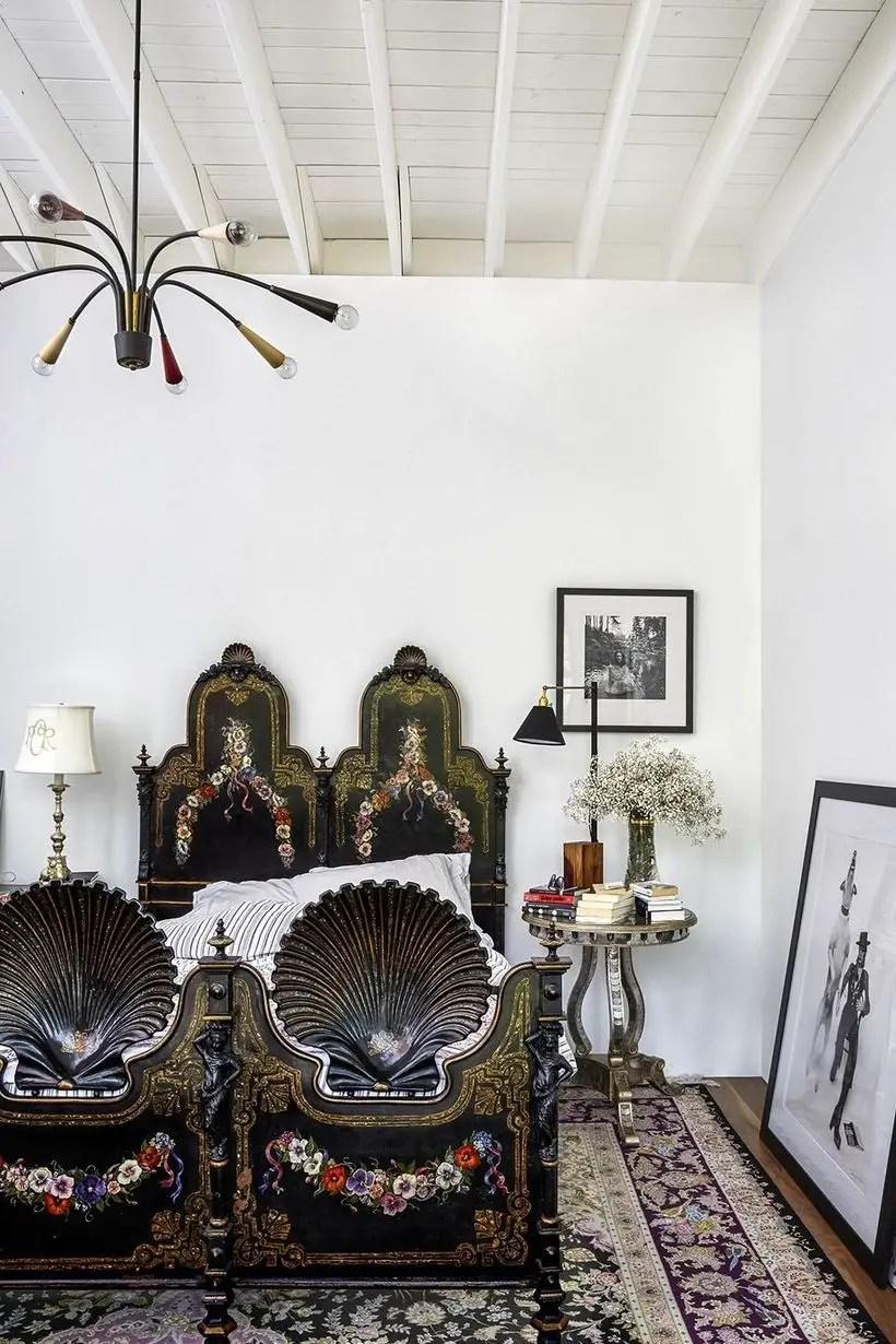 Gorgeous modern chandelier.