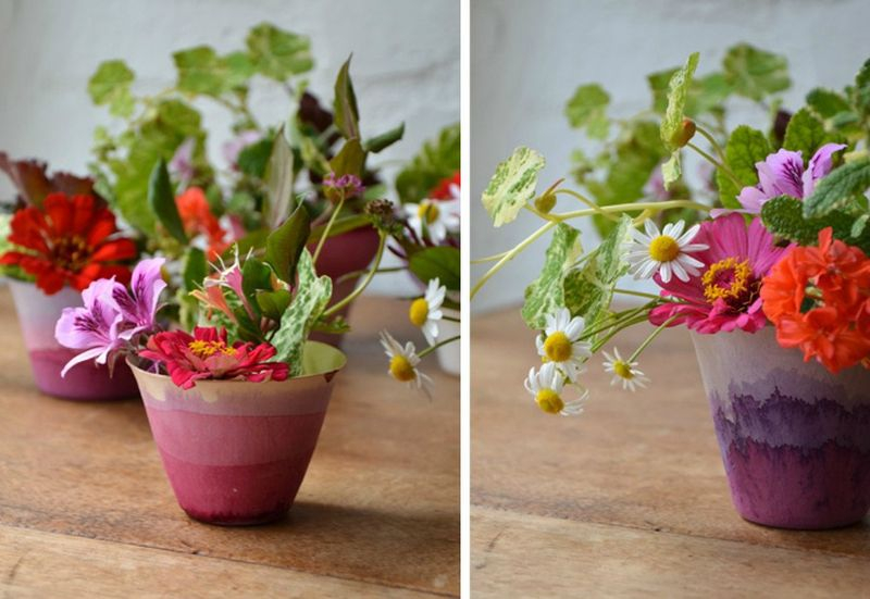 Mesmerizing plastic pots with beautiful flowers to create your an amazing garden