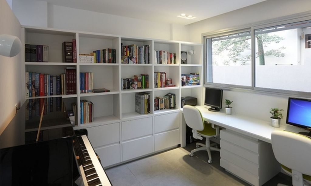 Modern home office featuring simple yet functional bookshelves to complete your home office