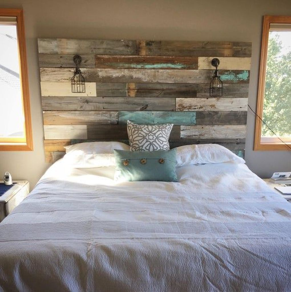 Perfcet headboard with lamps to perfect your bedroom
