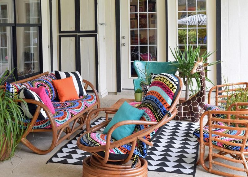 Rattan chairs to perfect your living room