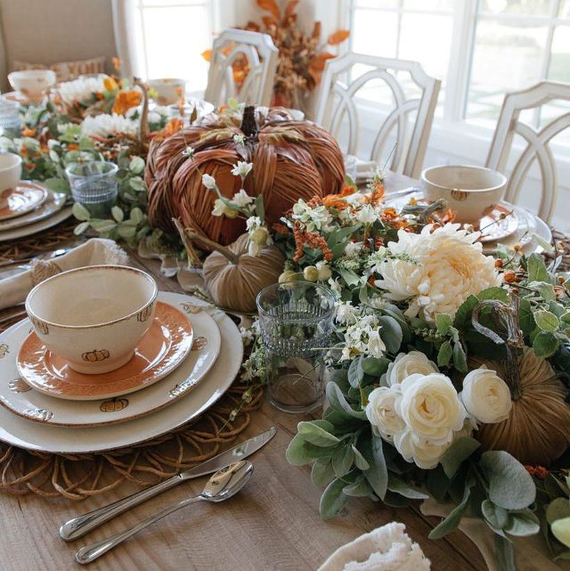 White flowers and diy pumpkin decoration ideas