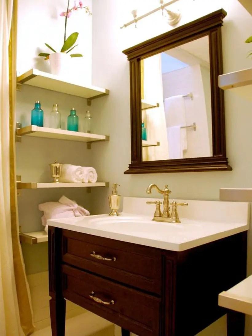 An awesome bathroom storage.