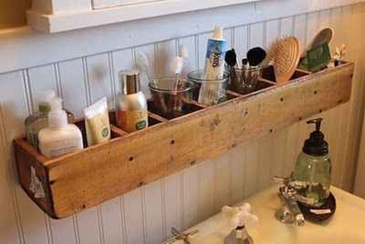 Diy hanging rack to store toiletries
