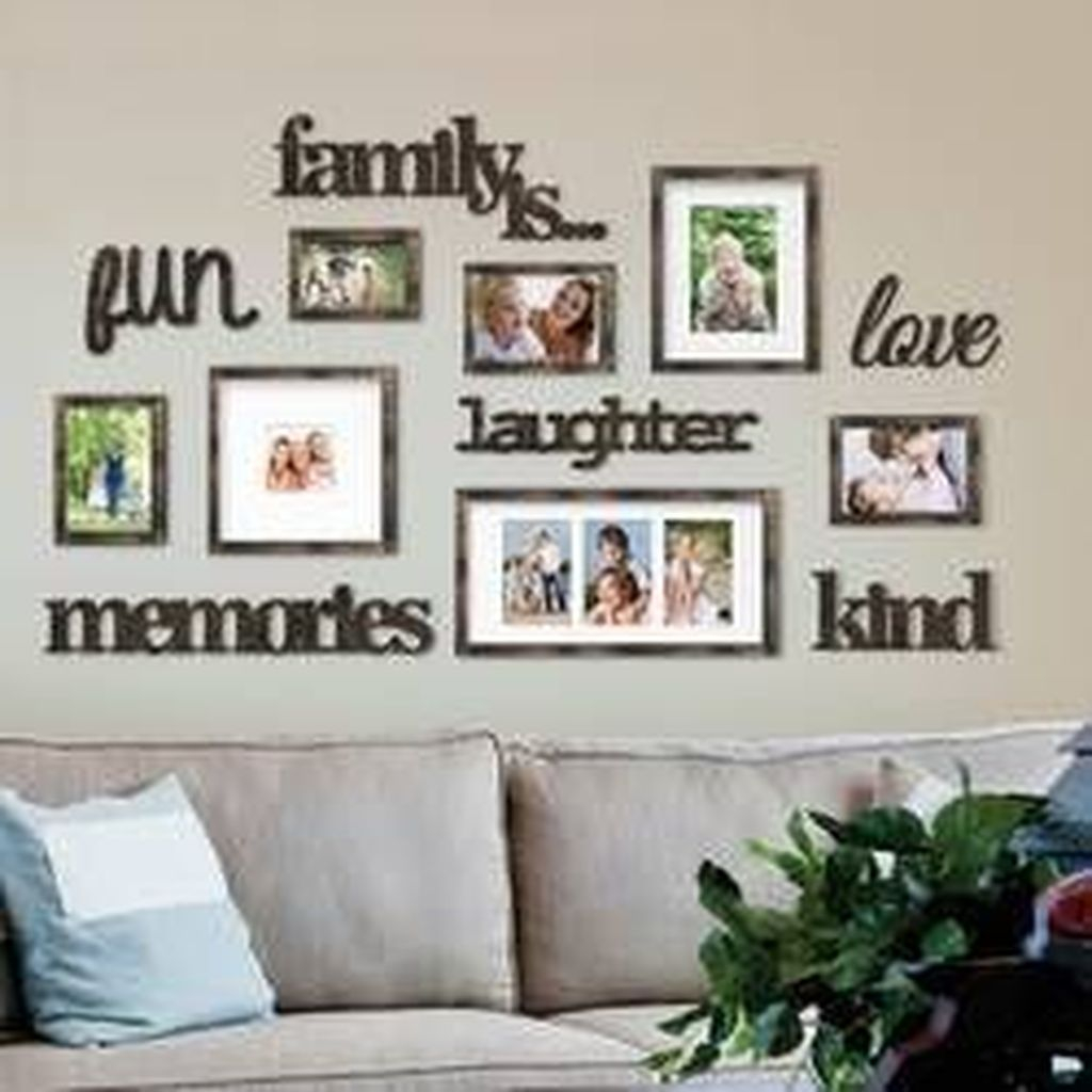 Farmhouse wall decoration with photo gallery