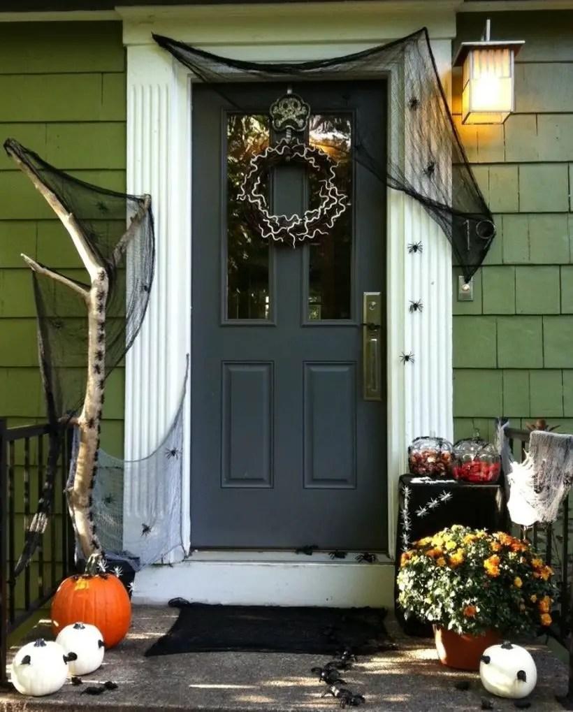 Spider attack door for halloween.