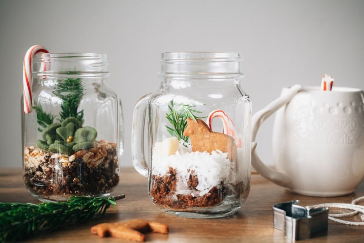 Terrarium of mason jar design pot very simple to decorate your table