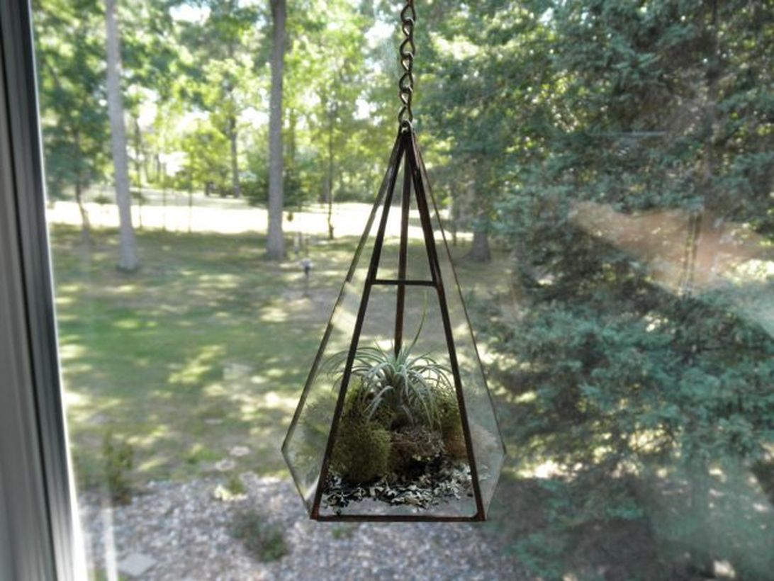 Awesome terrarium designs with geometric terrariums are hung using chains for your porch