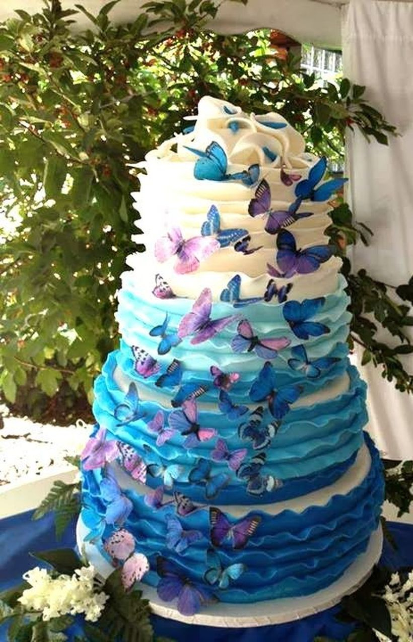 Beautiful cake birthday with blue butterfly themes