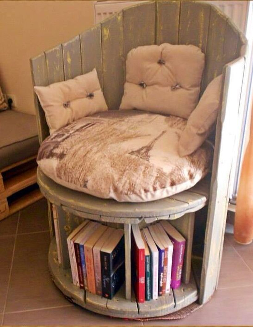 Creative chair and bookshelf with wooden spool