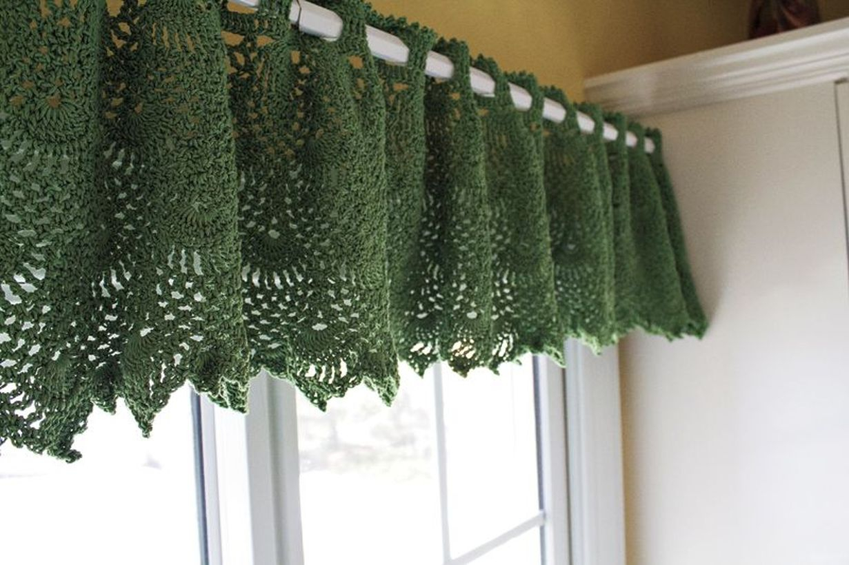 Green pattern curtain
