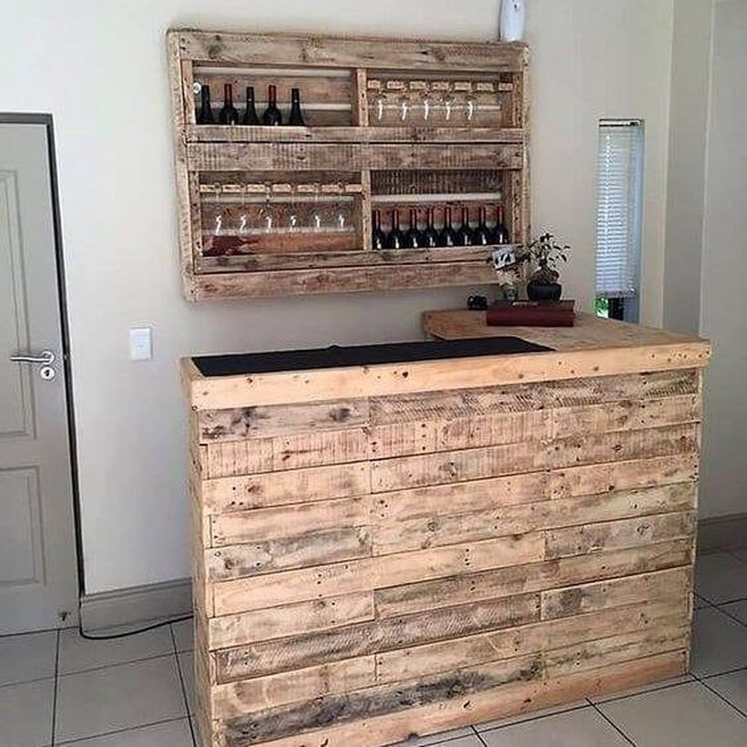 Mini bar from wooden pallet