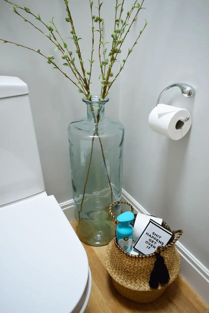 Rattan basket to store toiletries