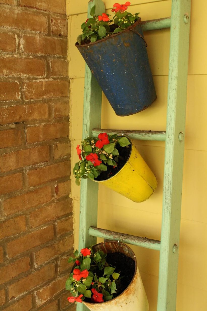 Simple diy ladder to hang flower pot holder for outdoor decoration in porch