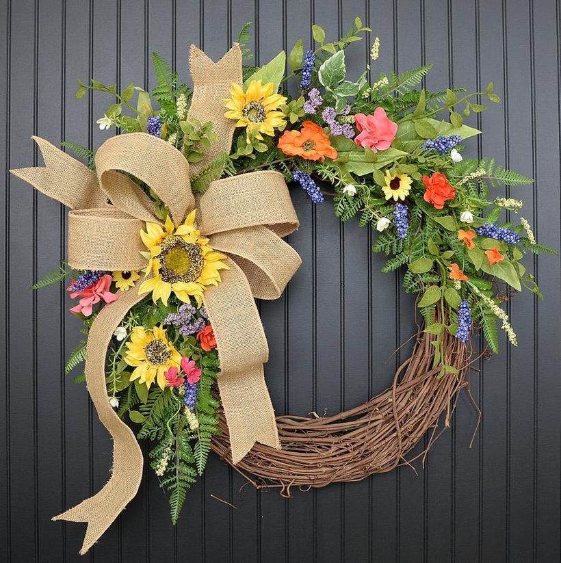 Stunning spring and summer wreath with burlap sack ribbons and sunflowers will provide a beautiful welcome to all who enter your home
