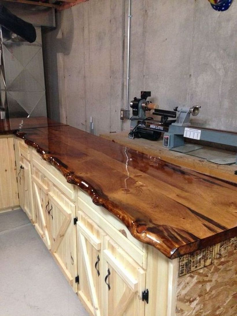 Wooden countertop design on the wooden cabinet