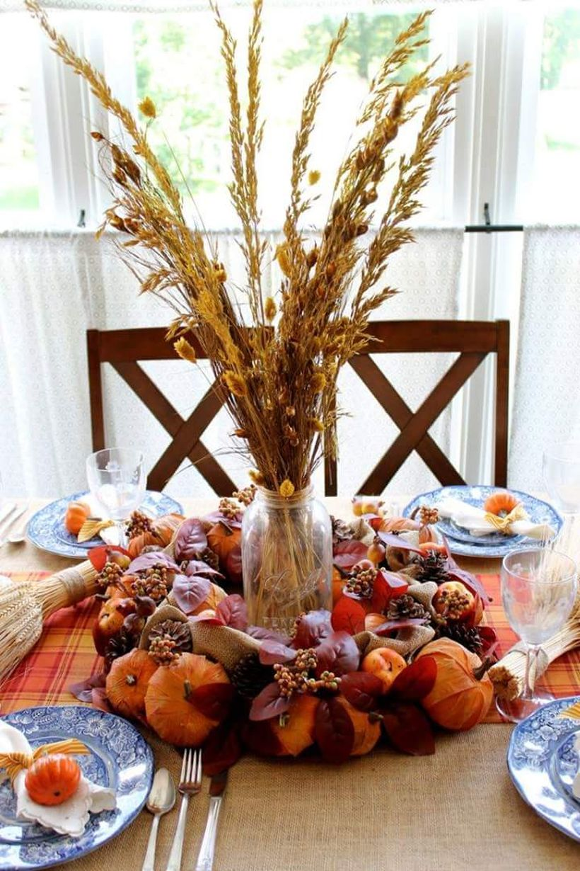 Country-side-thanksgiving-decoration-for-dining-table.-