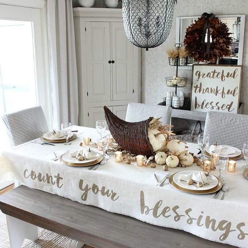 Grateful-blessing-thanksgiving-table-cloth-for-celebration.-