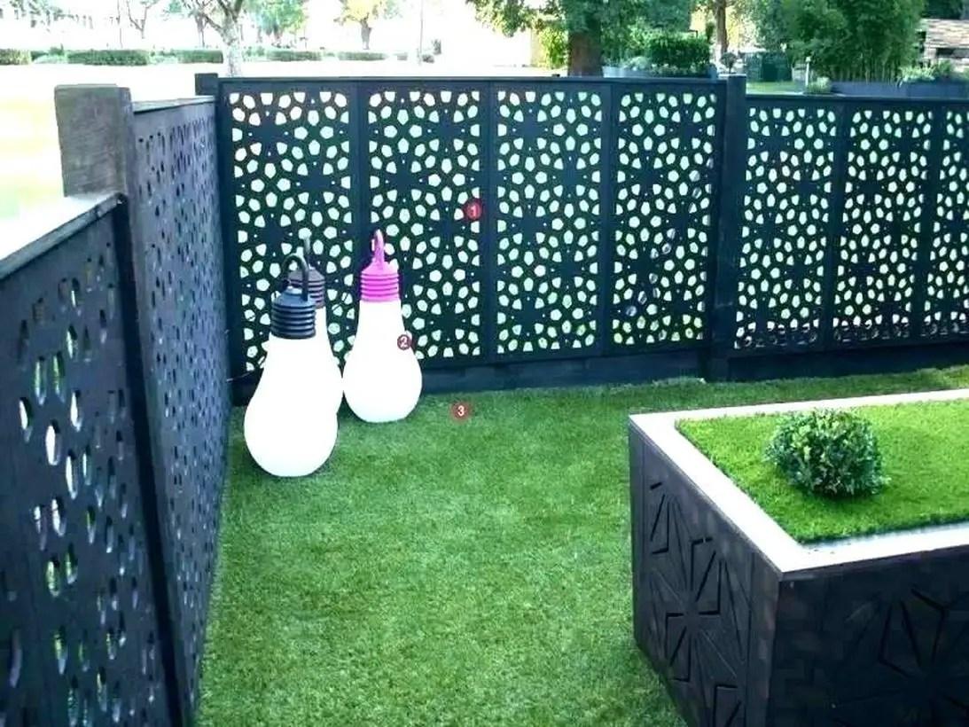 Metal garden screen