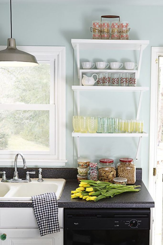 White shelf to complete your kitchen decoration