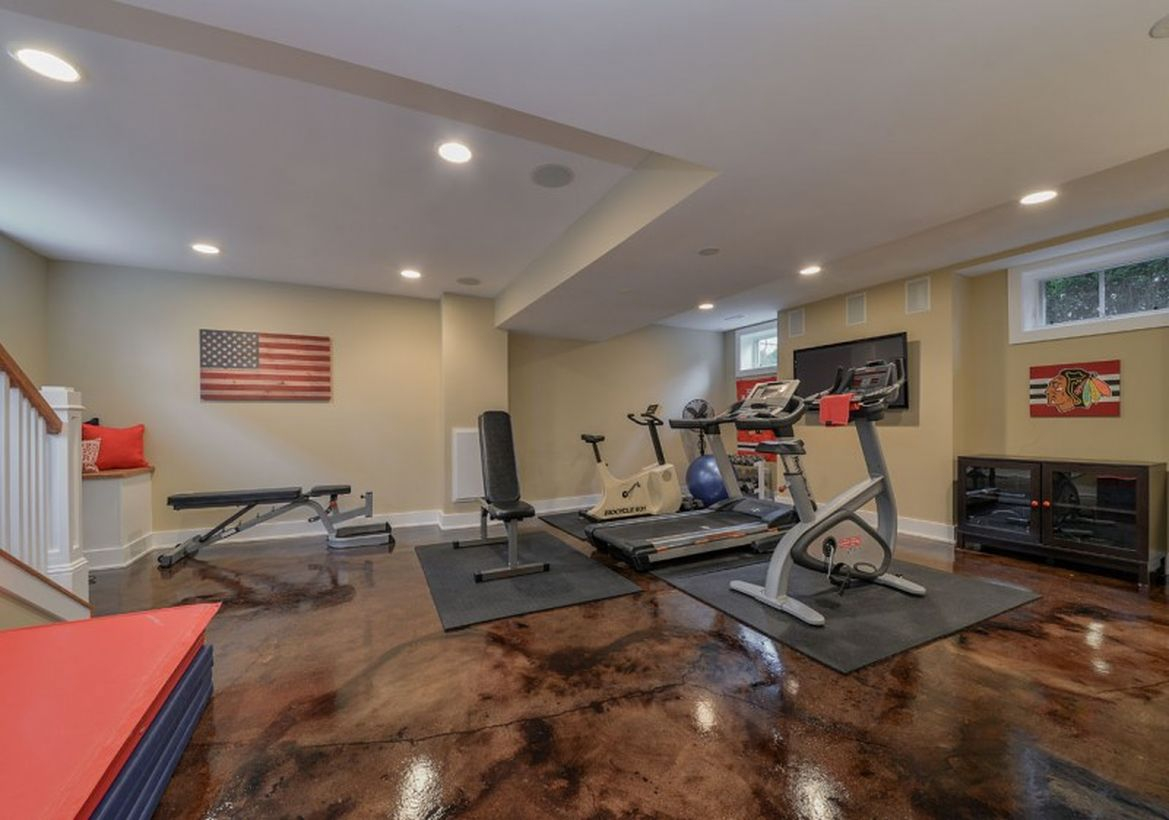 Basement with gym room decoration