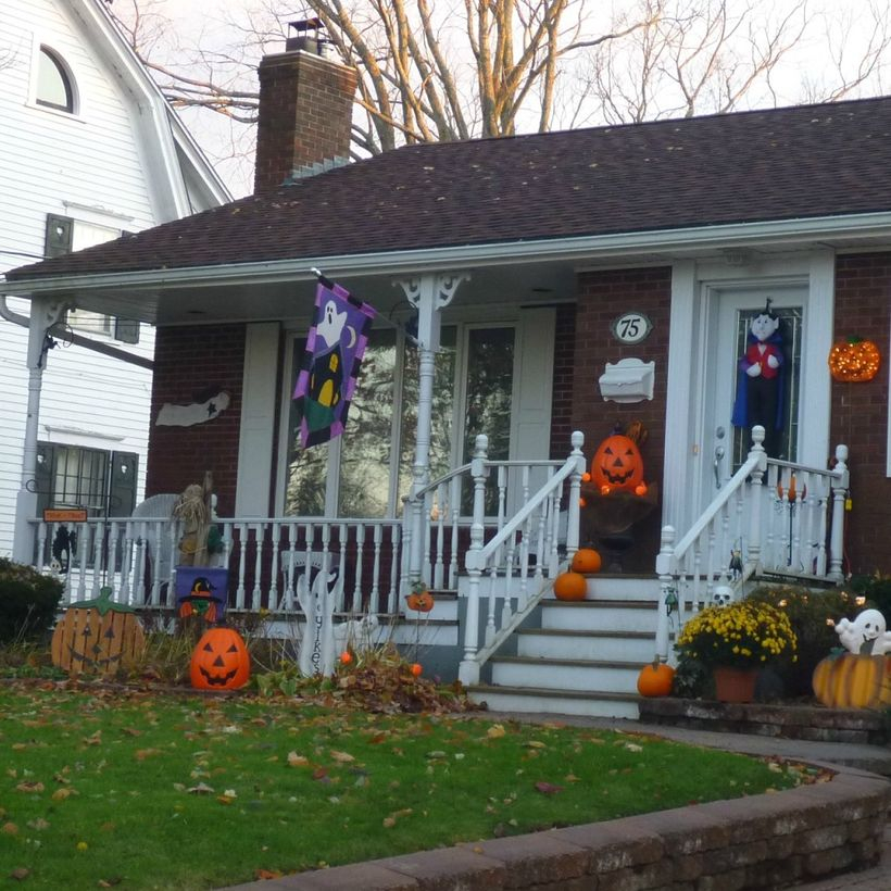 Decoration porch with scary pumpkin