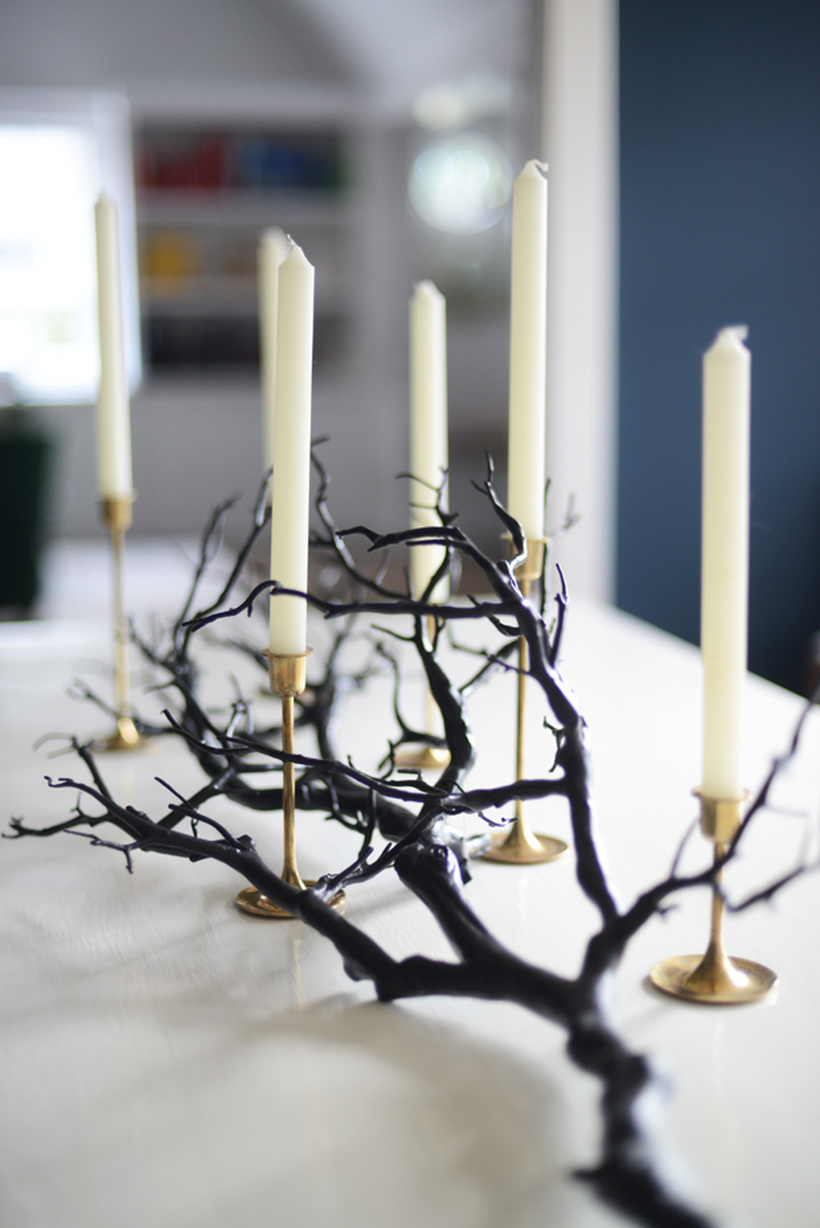 Spooky branch centerpiece for your dining room