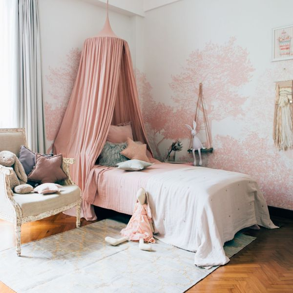 Classic-hua-trees-mural-in-pink-for-your-kids-room.