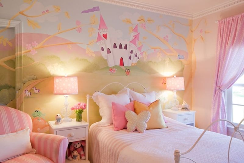 Fairy-castles-and-parks-for-kids-room.