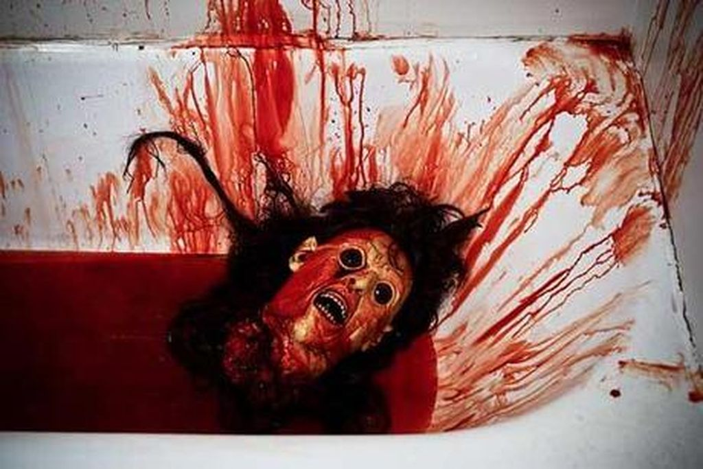 Halloween-head-bathtub