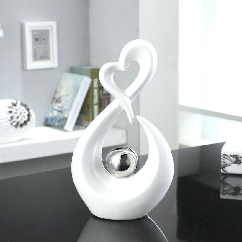 Small-ornament-of-a-unique-white-form-to-decorate-the-coffee-table-in-your-living-room