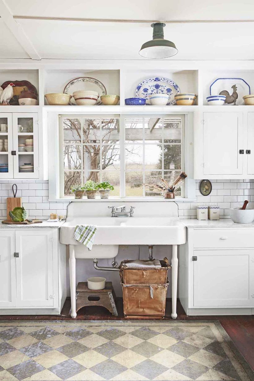 White-kitchen-cabinet-with-the-top-to-store-various-motifs-of-bowls-and-large-classic-sinks-to-inspire-your-vintage-kitchen