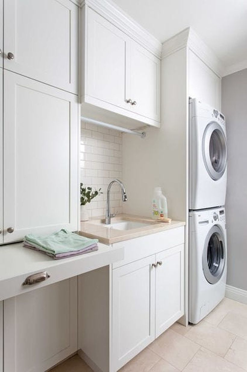 White laundry room desigen