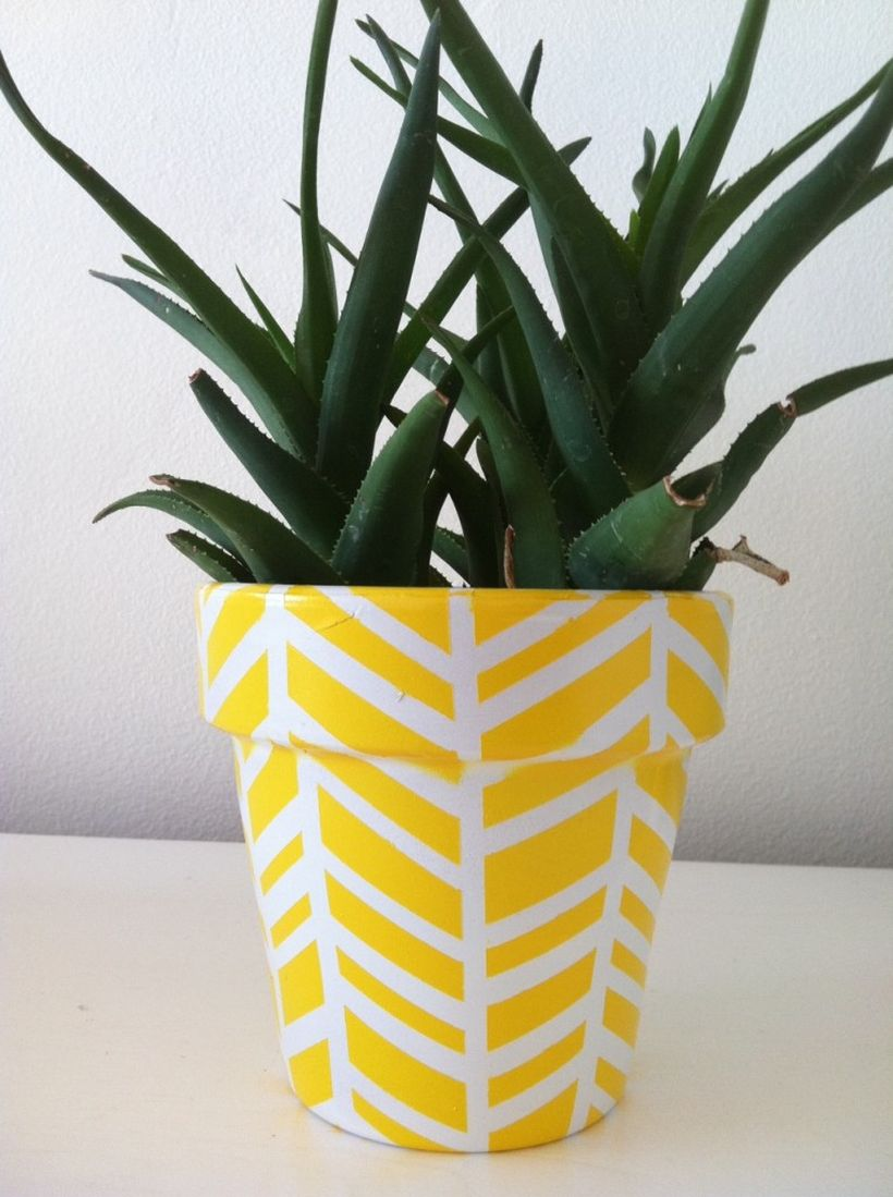 1-herringbone-planter