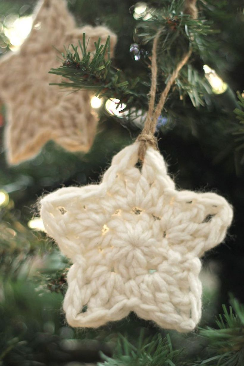 1479137908-crochet-star-ornament-3