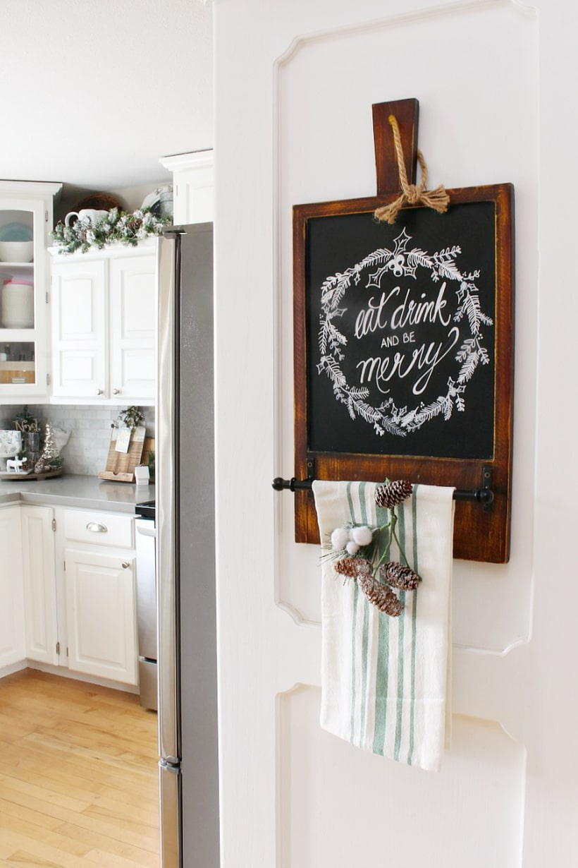 Christmas-kitchen-decorating-ideas-3-768x1152