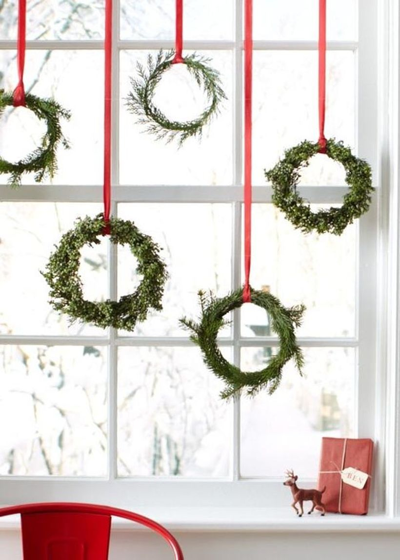 Green hanging wreath ideas