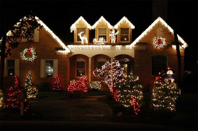 Outdoor-christmas-lighting