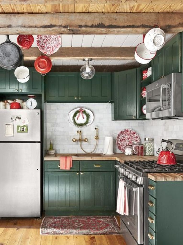Rustic kitchen ideas with ceiling beams