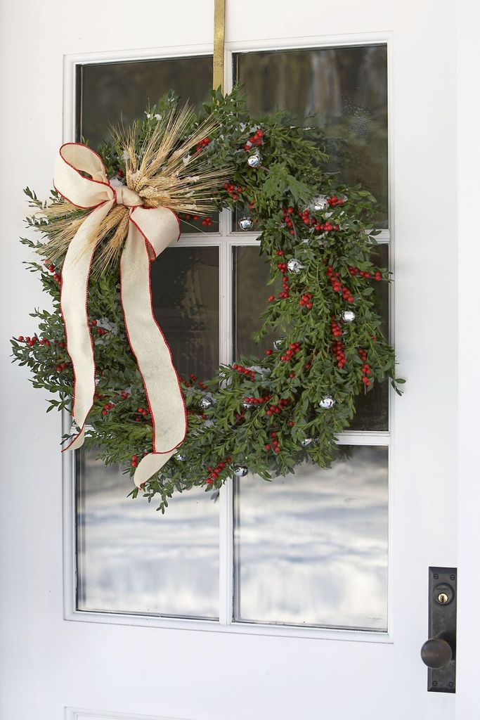 Berry-wreath-diy-for-christmas