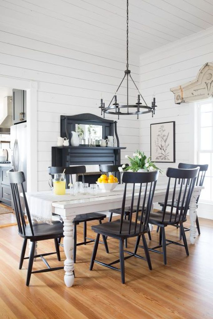 Farmhouse dining room style with white walls