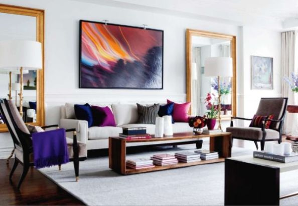 Living-room-with-abstract-wall-art