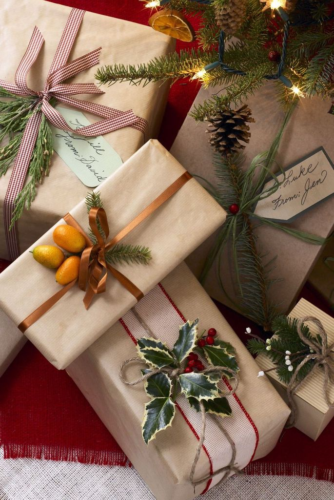 Natural-gift-toppers-gift-wrap